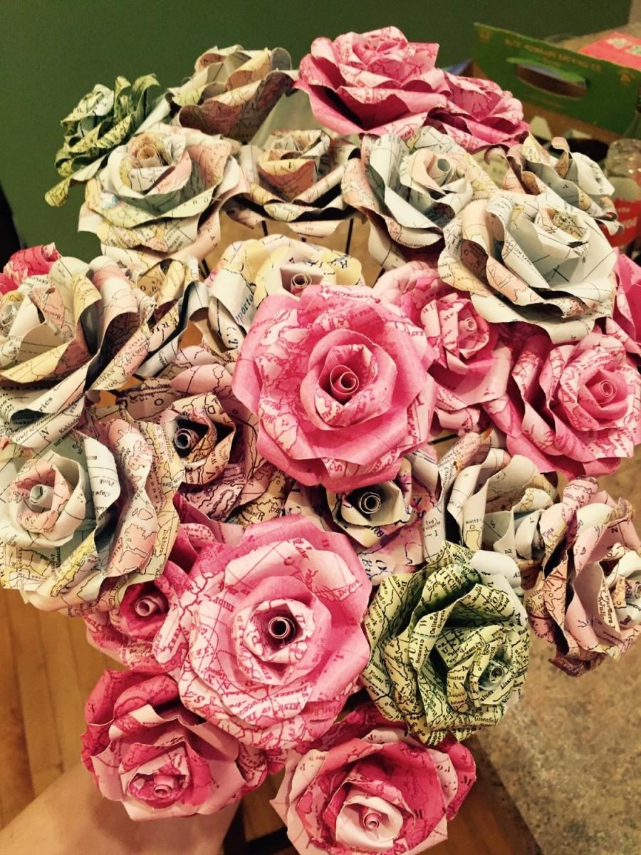 Mariage - Vintage Map Paper Roses {Set of 12}, Vintage Map, Vintage Roses, Paper Roses, Paper Flowers, Wedding, Travel, Travel Decor, Vintage, Rustic