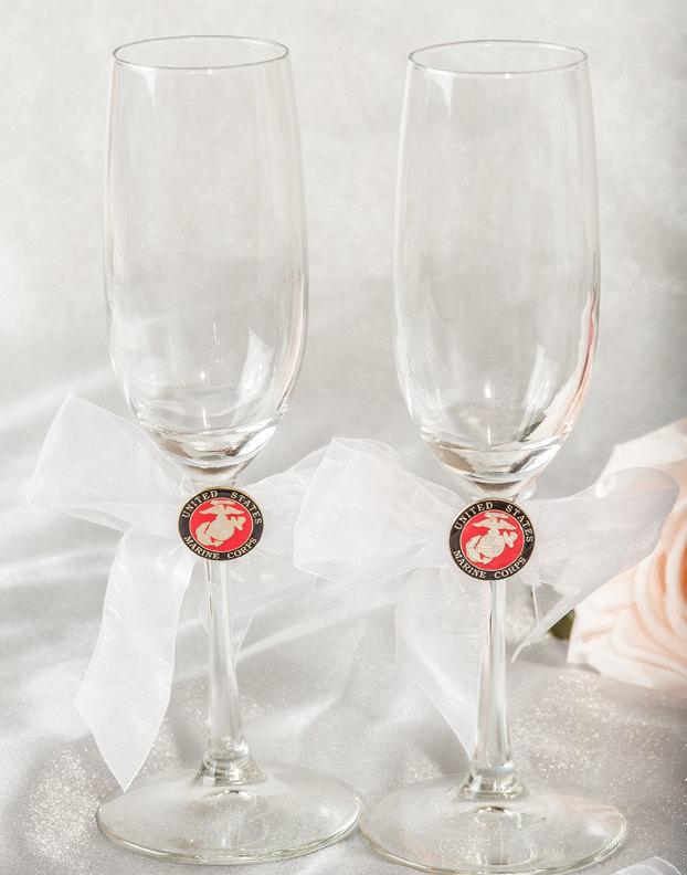 Hochzeit - Military Wedding Toasting Glasses - Air Force - Navy - Army - Marines - Custom Engraving Available