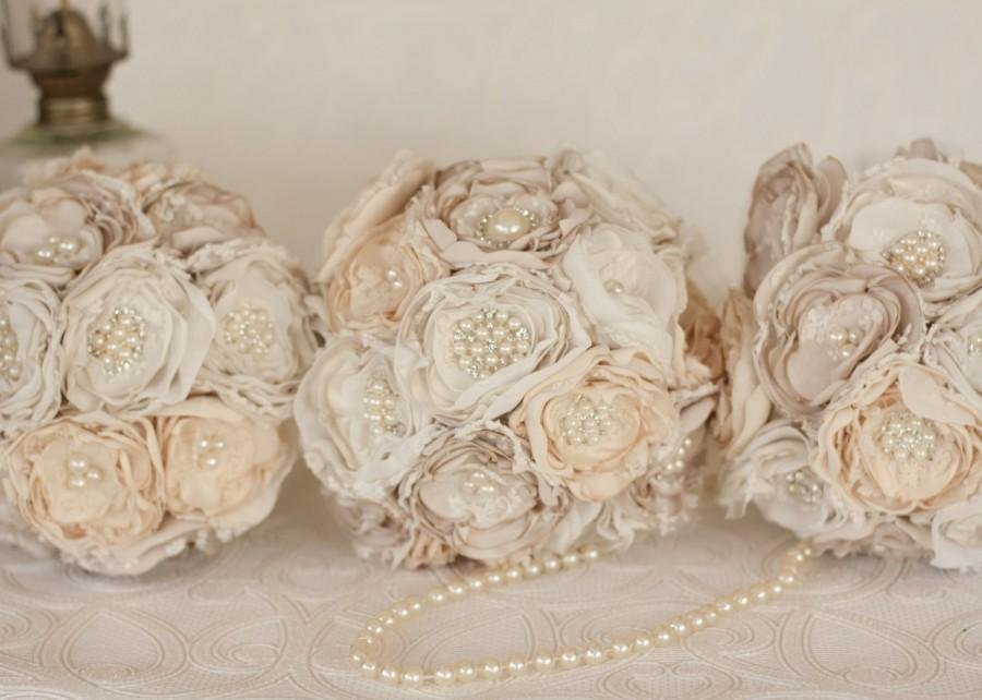 زفاف - Vintage Inspired Brooch Wedding Bridesmaids Bouquet set of three (3) Fabric flower bouquet, Ivory, cream and champagne