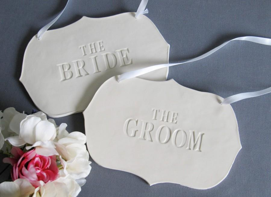 Mariage - Large 'The Bride' & 'The Groom' Wedding Sign Set to Hang on Chair and Use as Photo Prop - Gift Wrapped