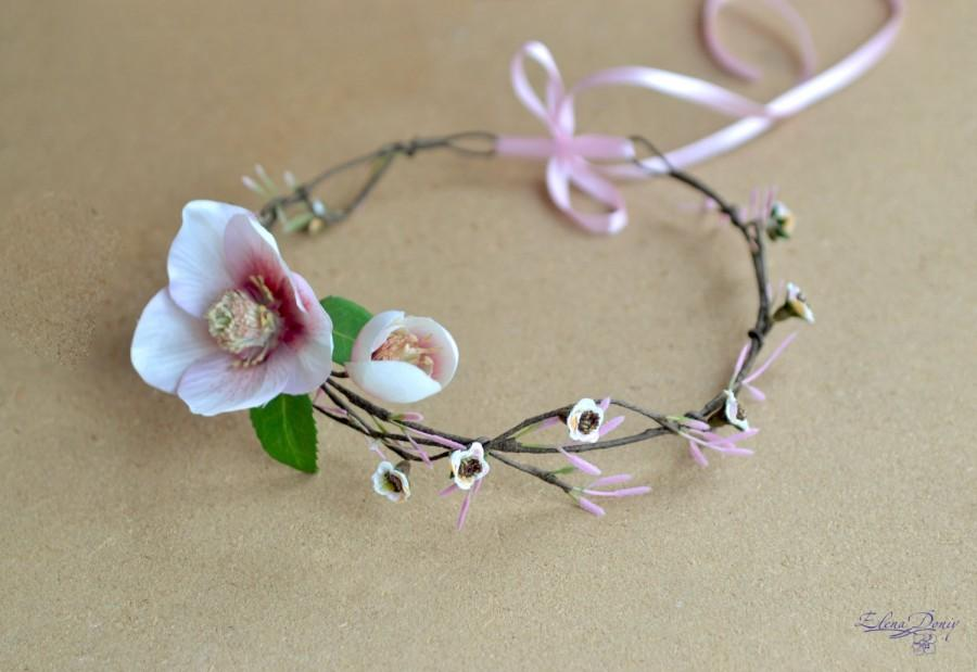 Mariage - Bridal flower wedding crown Blush pink Hellebore halo Woodland rustic wedding hair wreath Pink Spring Headpiece Beach bridal floral halo