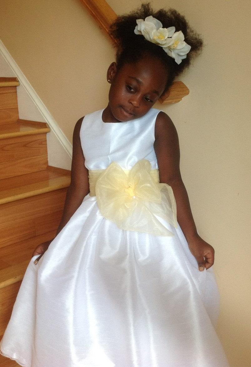 94cd411c5 Elegant White Flower Girl Dress with Custom Sash Color, Girls Sizes 3-8  Dress with Lined Skirt for Birthday Party Wedding or Special Events