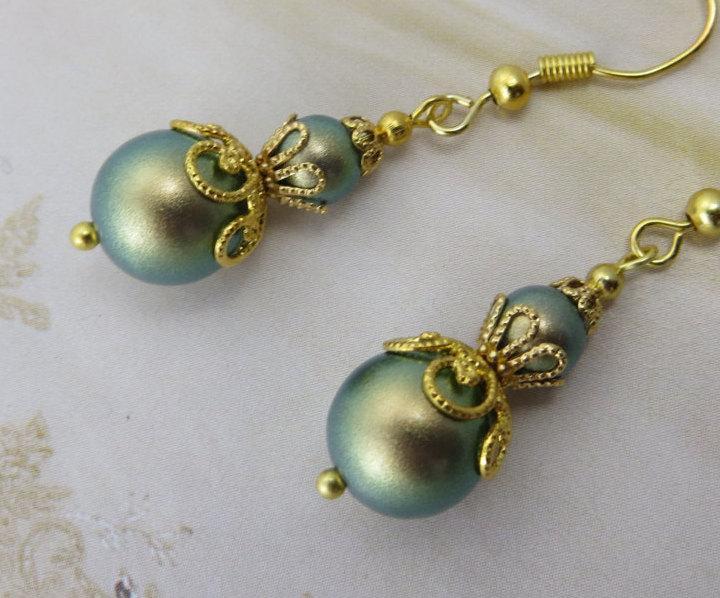 زفاف - GOLD STARDUST EARRING Green Swarovski Pearl Filigree Bridesmaid Sparkle Bridal Antique Spring Chic Sage Olive Moss Drop Jewellery jewelry