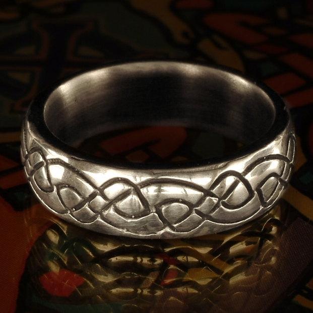 زفاف - Celtic Wedding Ring With Engraved Woven Knotwork Design in Sterling Silver, Made in Your Size CR-730