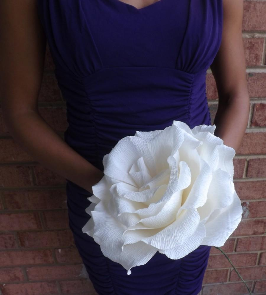 Mariage - Beautiful GIANT Crepe Paper Rose (Available in Various Colors): Perfect as Wedding Bouquets, Quinceaneras, or as a Gift