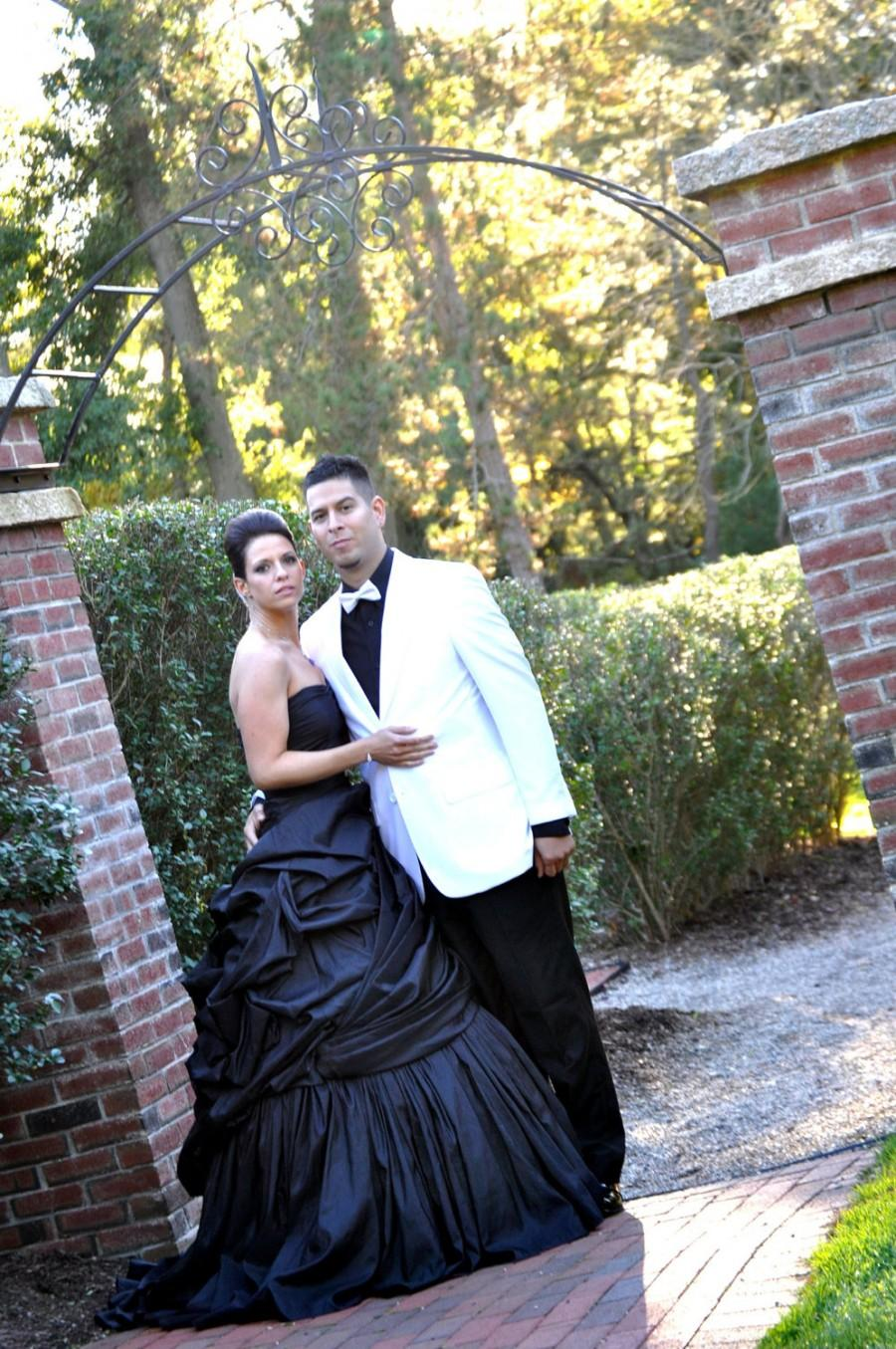 Hochzeit - Elegant and Classy Taffeta Black Wedding Dress Strapless Gothic and Unique Bridal Gown