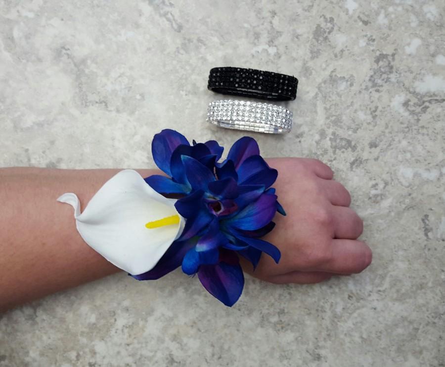 Hochzeit - Real Touch White Calla Lily, Mini BLUE Bom Galaxy Dendrobium Orchids Rhinestone Wrist Corsages (Wedding / Prom)