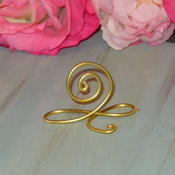 Свадьба - 5 Gold infinity Bow Wire Name Place Cards, Gold wedding name place card holders, small wedding table number holders