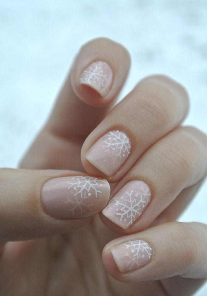 Boda - 11 Holiday Nail Art Designs Too Pretty To Pass Up