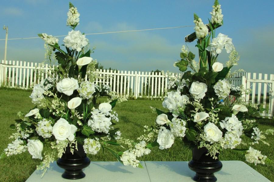 Свадьба - Bridal Wedding Church Altar Silk Flowers