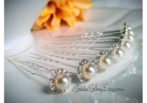 Mariage - bridal hair pins, pearl hair pins, rhinestone hair pins, pearl bobby pins, hair pin, bridal accessories, wedding accessories, updo hair pins