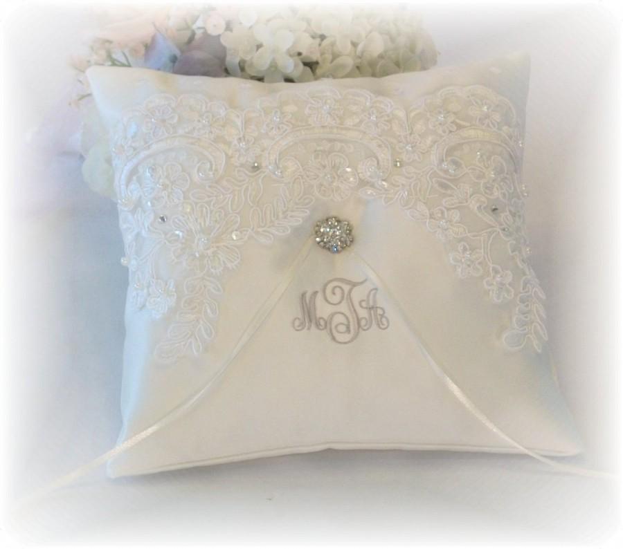 Mariage - Ring Bearer Pillow, Ivory Ring Bearer Pillow, Monogrammed Ring Bearer Pillow, Personalized Ring Bearer Pillow
