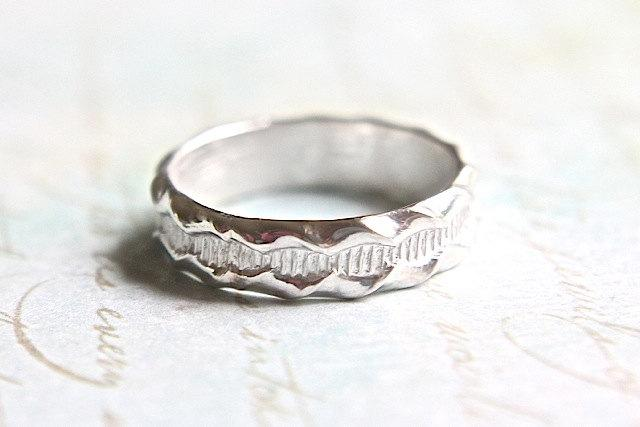 Hochzeit - Rustic Sterling Silver Ring - Organic Pattern & Unisex Design - Makes a Great Wedding Band
