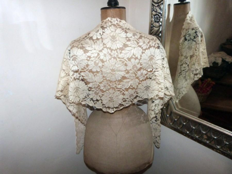 Wedding - French antique lace mantilla veil ecru mantilla veil Victorian wedding lace shawl wrap scarf 1900s RARE elegant floral lace veil church