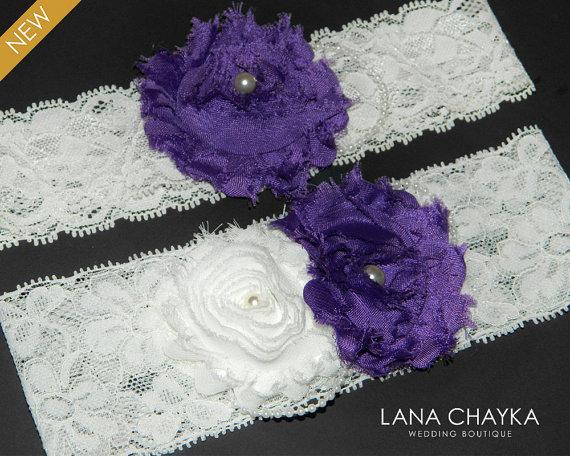 Mariage - Wedding Garter Set Bridal Lace Garter Ivory Purple Garter Set Shabby Flower Garter Set Rustic Garter Sets Ivory Lace Purple Garter Set