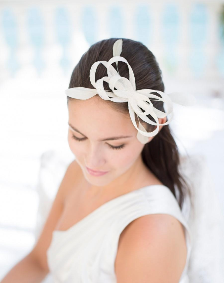 Свадьба - Bridal millinery headpiece with feathers, wedding fascinator
