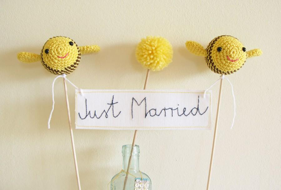 Ble Bee Wedding Just Married Cake Topper Yellow Banner
