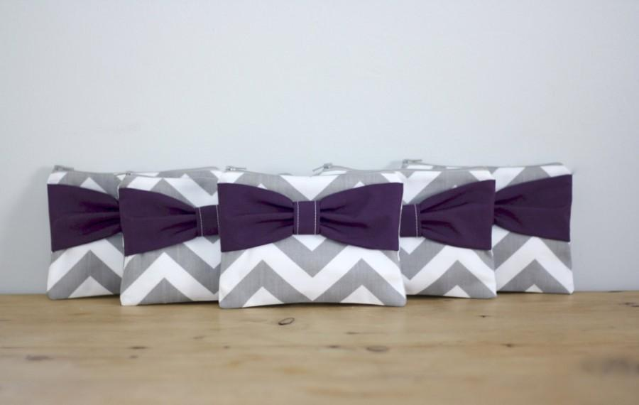 Wedding - Bridesmaid Gift / Bachelorette Favors - Set of Cosmetic Cases Zipper Pouches - Gray Chevron Dark Purple Bows - Choose Quantity and Bow Style