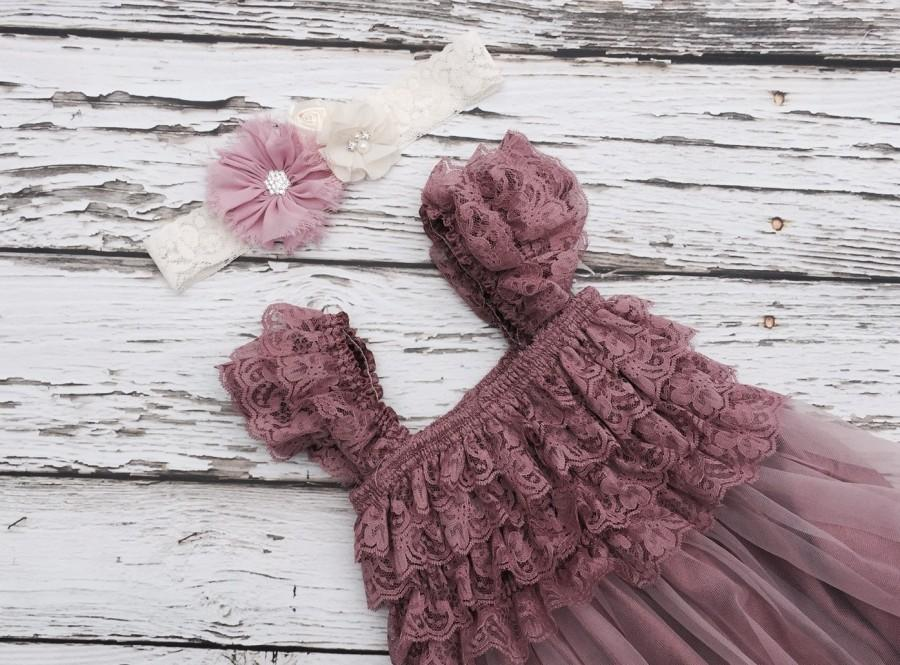Mariage - Dusty rose flower girl dress. Flower girl dress. lace flowergirl dress. Shabby chic vintage dress. . Dusty pink Toddler lace dress.