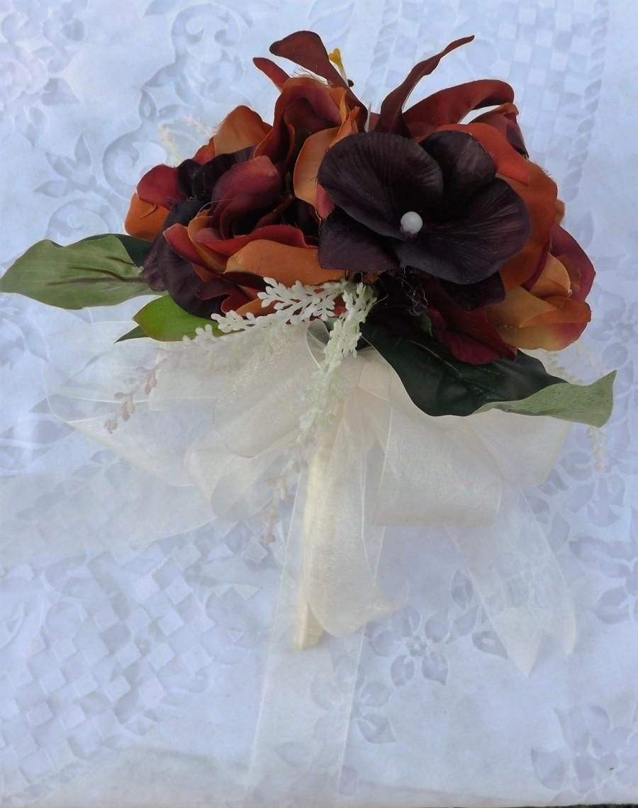 Mariage - wedding bouquet in piones mocca brown and orchiids brown
