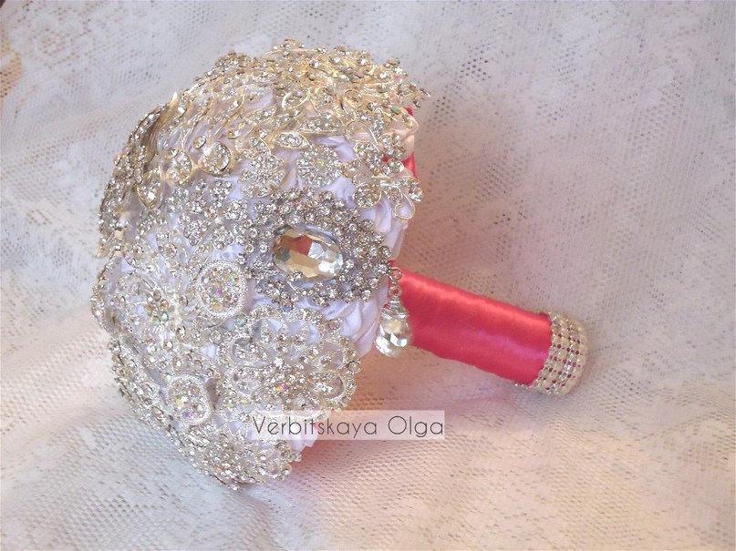 Mariage - Wedding Brooch Bouquet / Bridal Bouquet / Handmade / Crystals / Elegant / shiny fuchsia