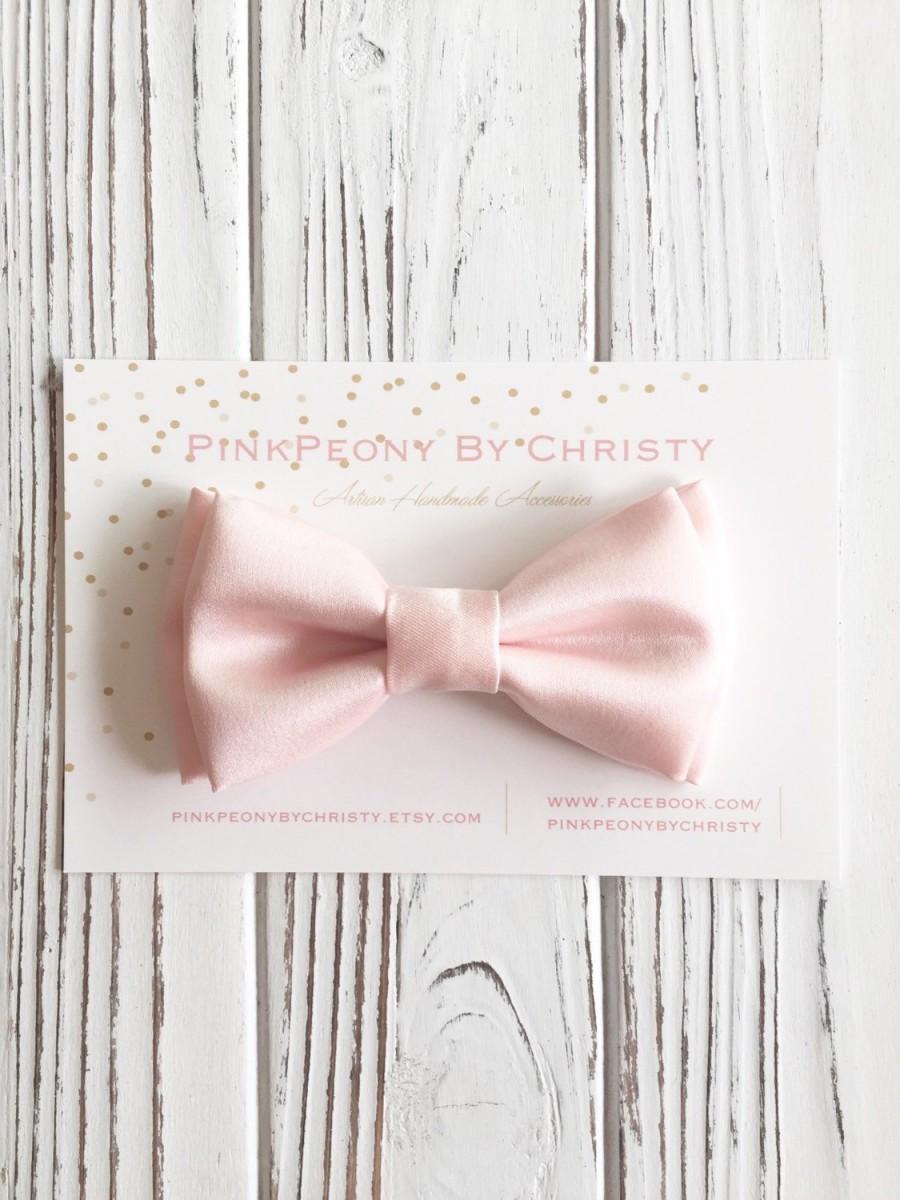 Свадьба - Blush satin bowtie- Daddy and son matching piece - Ring bearer's bowtie - Groomsmen bow ties- blush pink bow- blush bow ties-petal bows