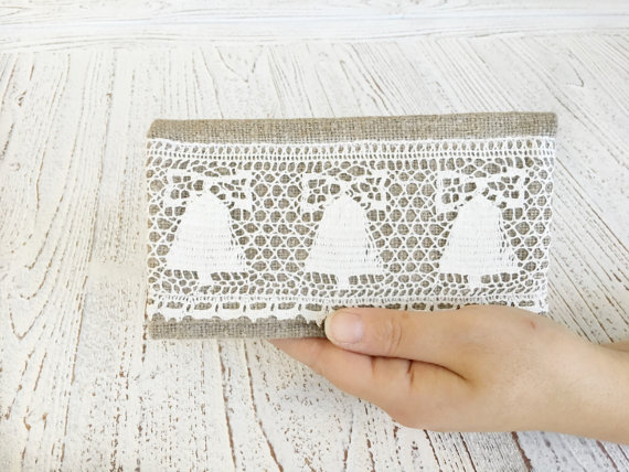 Mariage - Personalized bridesmaid clutch Rustic bridesmaid gift Lace Wedding clutch Bridal clutch lace clutch Rustic wedding bag Hedgehogkingdom