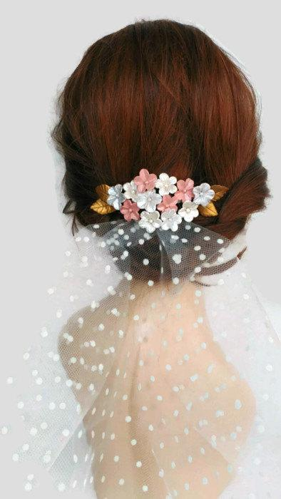Mariage - Bridal hair combs, Bridal headpieces, bride accessories, bridal hats, bridal hair flowers, hair accessories for brides, bridal fascinator