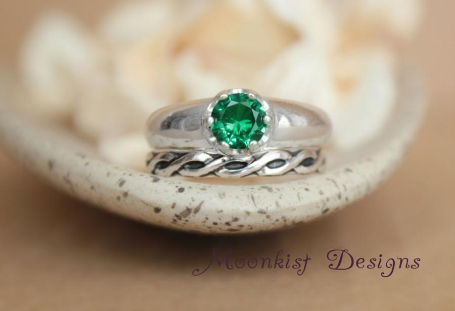 Hochzeit - Emerald Green Spinel Wedding Ring Set, Celtic Fitted Band - Modern Solitaire and Celtic Wedding Band in Sterling - Engagement Ring Set