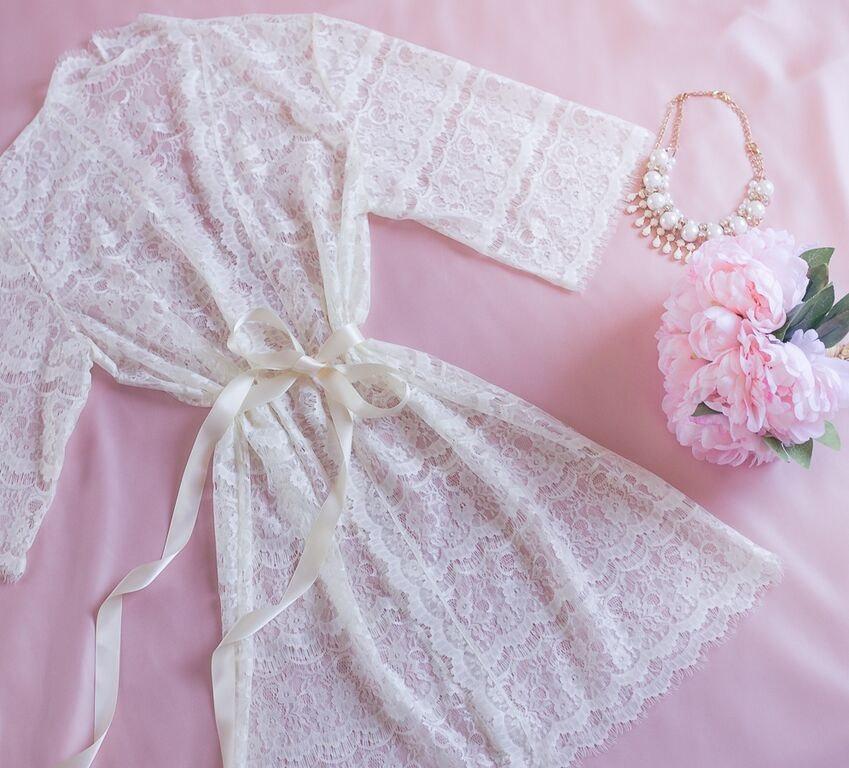 Hochzeit - Ready to Ship - Lace Robe for Bride, Bridal Gift, Bachelorette party Gift, Honeymoon, Lace Kimono, Wedding Gift, I do, White Lace