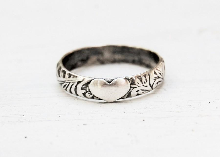 Mariage - Boho Floral Heart Ring - Sterling Silver - Custom Made Your Size - Patterned Band - Renaissance - Scrollwork - Gift For Her