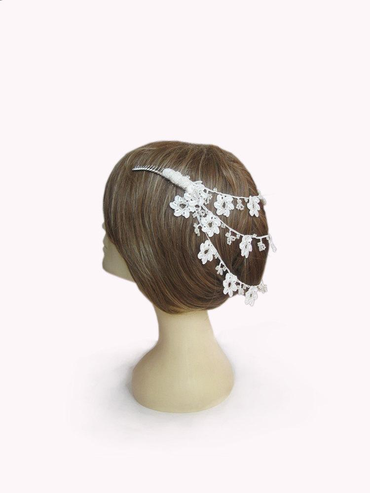 Mariage - White Flowers hair comb, blossom flowers hair comb, wedding hair accessories, Bridal hair comb,hand crochet lace flowers,Bridesmaid Jewelry