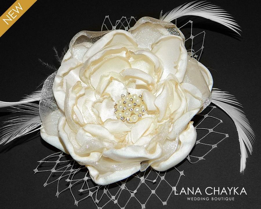 Mariage - Bridal Flower Fascinator, Bridal Ivory Flower Hair Clip, Wedding Cream Flower Head Piece, Bridal Flower Brooch, Wedding Flower Hair Clip