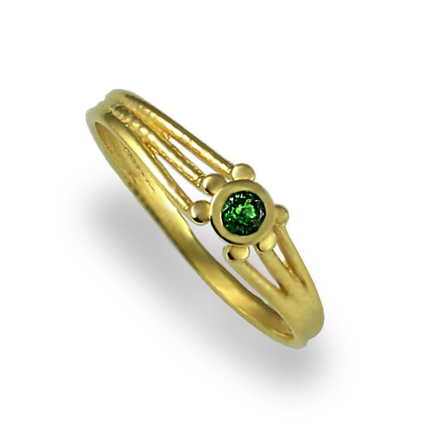 Hochzeit - Tsavorite Engagement Ring , Tsavorite Ring , Solitaire Cut Ring , Gemstone Ring , Yellow Gold , Green gemstone , Thin ring