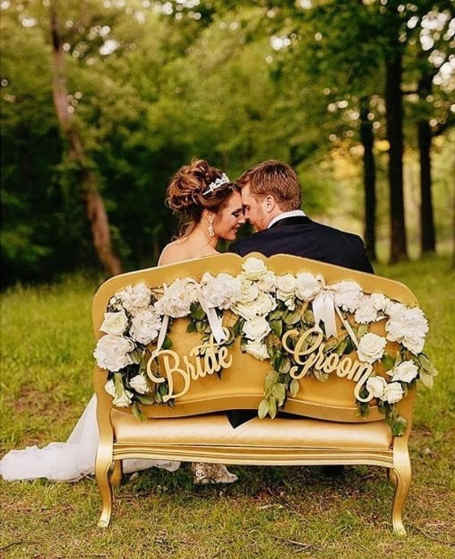 Mariage - Bride and Groom Chair Signs for Wedding, Hanging Chair Signs Wooden Wedding Signs Bride & Groom (Item - LBG200)