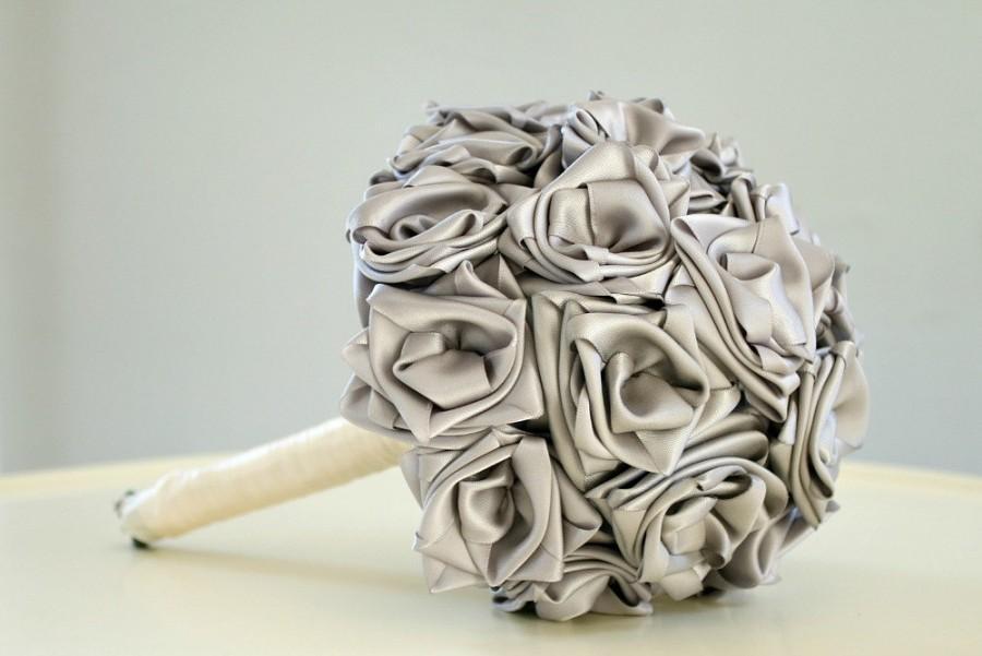 Свадьба - Silver Bouquet, Hand Sewn Satin Roses Bouquet