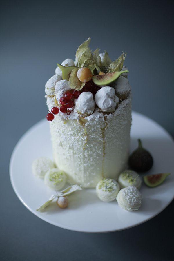 زفاف - Winter Cake with fruits