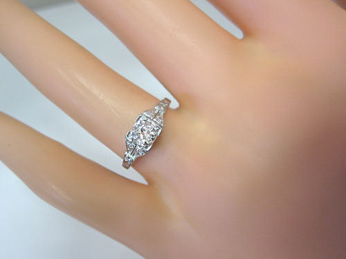 Mariage - Antique Art Deco Platinum .61 Carat White Gold Diamond Engagement Ring
