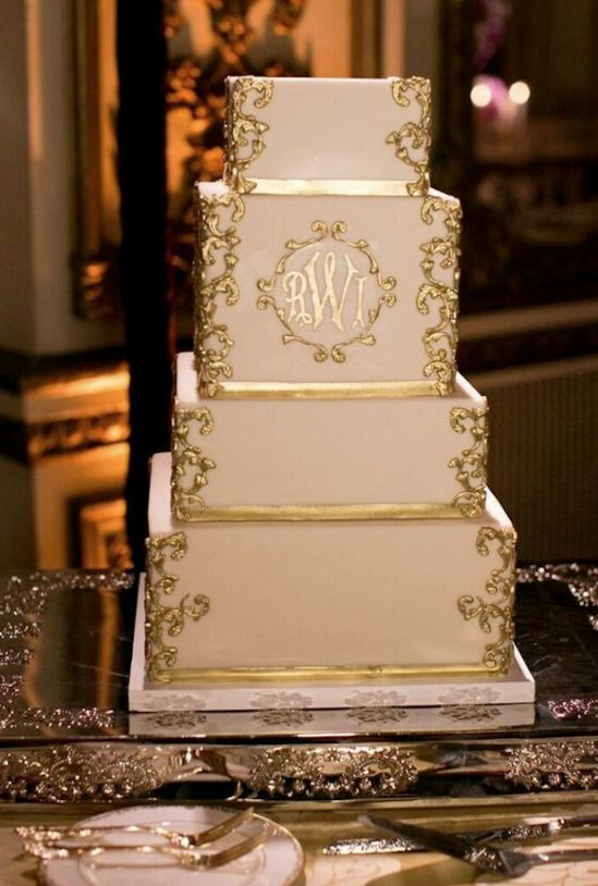 Свадьба - 4-Layered Classic gold and white wedding cake