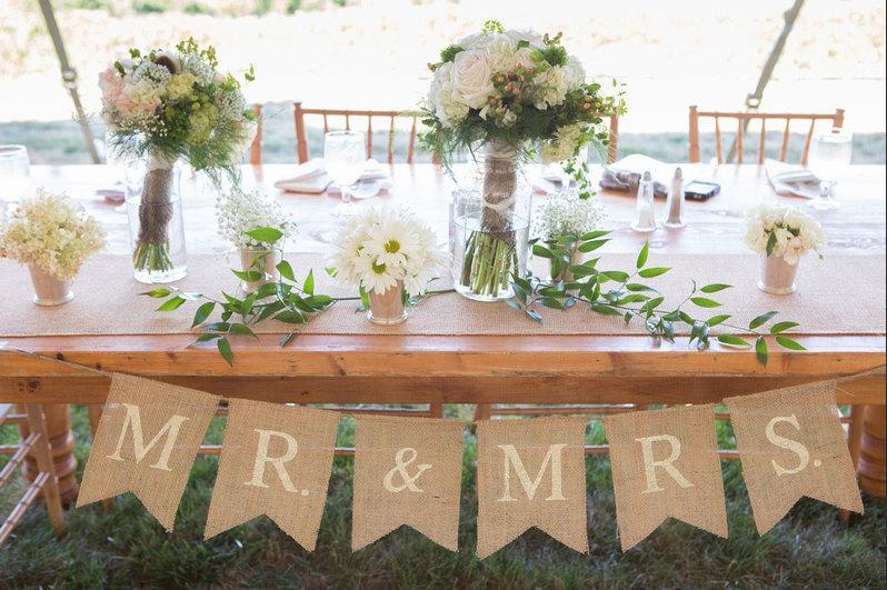 Свадьба - Mr. & Mrs. burlap wedding garland - Wedding garland - Photography prop