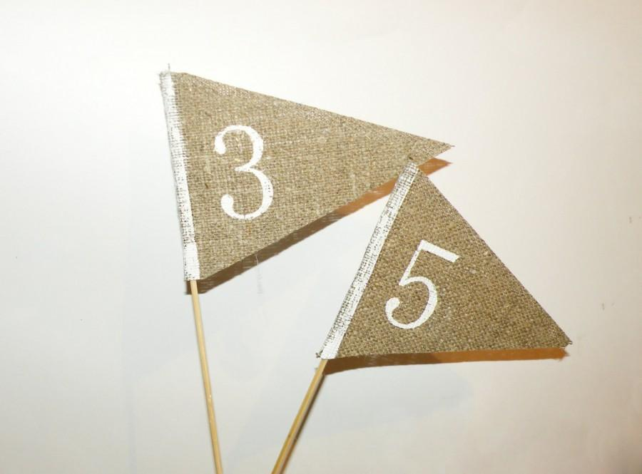 Свадьба - Rustic Wood and burlap  Table Numbers Vintage. Fall wedding, Wedding Decor, rustic, Place Holder, Buffet Card, burlap flags, HedgehogKingdom