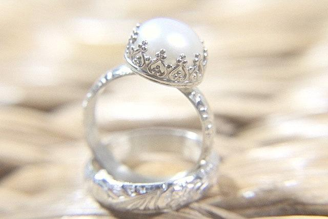 Свадьба - Pearl Wedding Ring Set - Eco Friendly Floral Wedding Band & Engagement Ring - Alternative Diamond