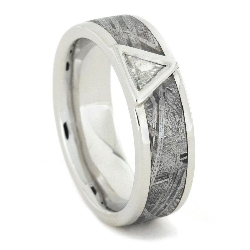 Свадьба - Platinum Engagement Ring with Meteorite and Triangle Cut Diamond, Mangagement Wedding Band