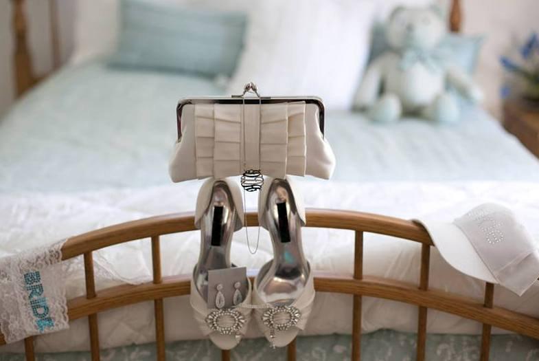 Mariage - Ivory Satin Bridal Clutch, White Bridal Clutch, Duchess Satin Wedding Purse, Formal Satin Clutch {Perfect Pleat Kisslock in DUCHESS SATIN}