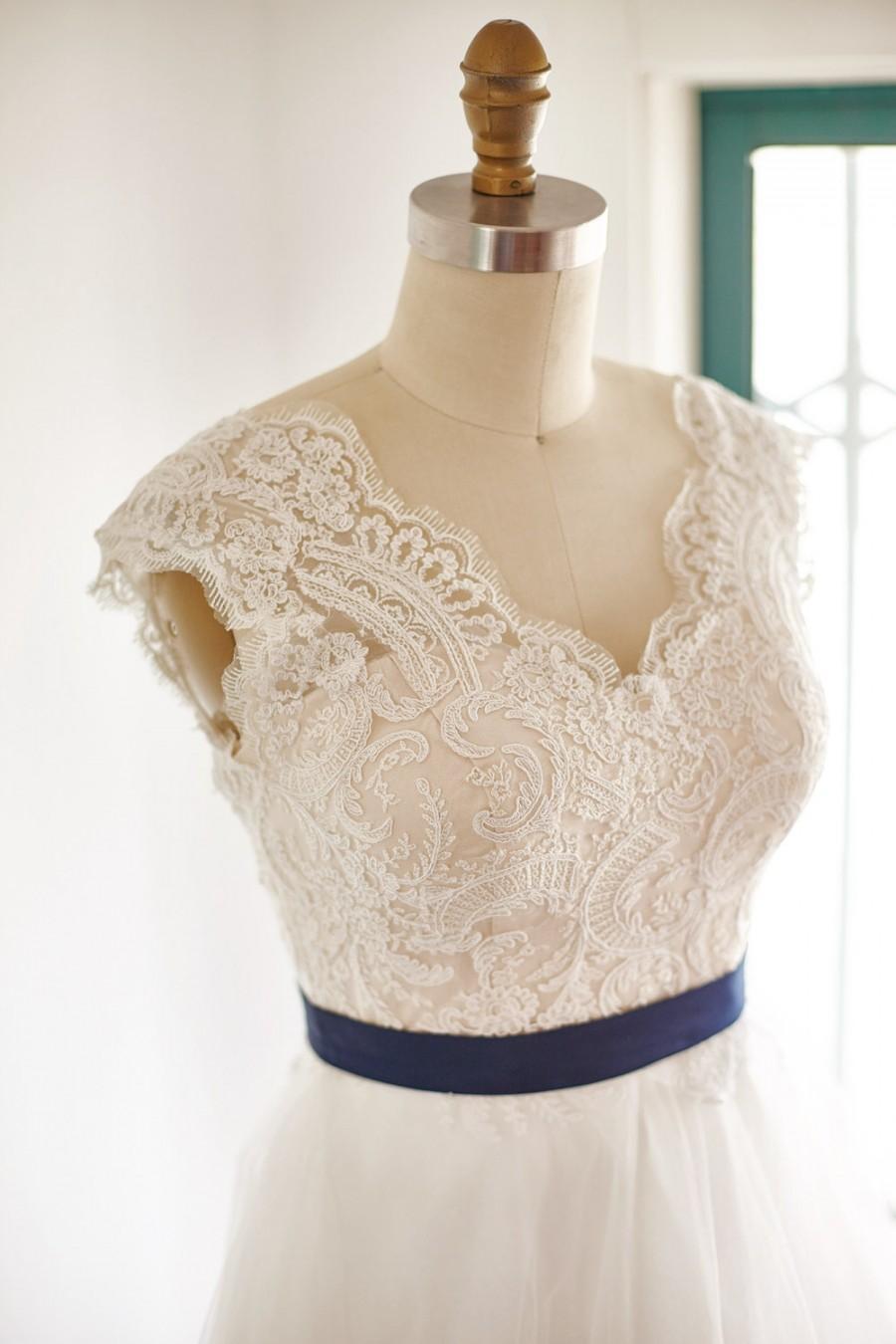 Sheer Illusion Lace Tulle Beach Boho V Neck Wedding Dress Bridal