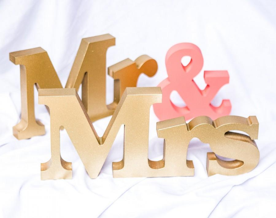 Hochzeit - Wedding Signs Mr and Mrs Signs Mr and Mrs Letters for Sweetheart Table Decor Mr and Mrs Letters, Mr & Mrs Wedding Sign Set (Item - MTR100)