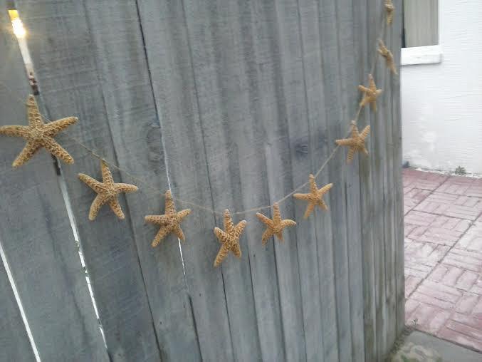 Mariage - Tan Mini Sugar Starfish Garland ( 4',6',8' Long) - Great for wedding arches, table draping, coastal home decor and more