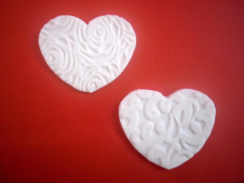 Свадьба - Wedding Fondant Edible Cupcake Toppers, White Heart Toppers, Wedding Party Decoration, Valentine Party, Bridal shower, 24 pcs