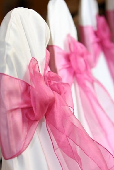 Mariage - Hot Pink Wedding Chair Bows White Chair Covers