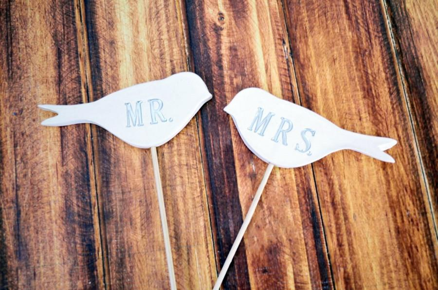 Hochzeit - Mr. & Mrs. Bird Wedding Cake Toppers- available in different colors - small size